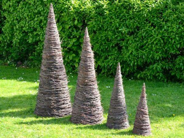 Weidenkegel aus Weidenzweigen - Weidenpyramide Garten Deko Rasen Figur Weide