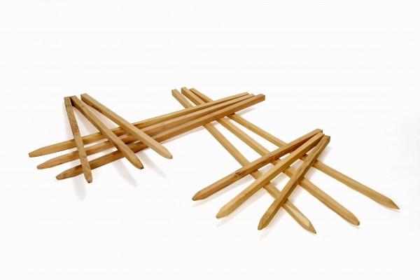 Kantholz aus Akazienholz - Vierkant Pfosten Holzpfahl gesägt und angespitzt